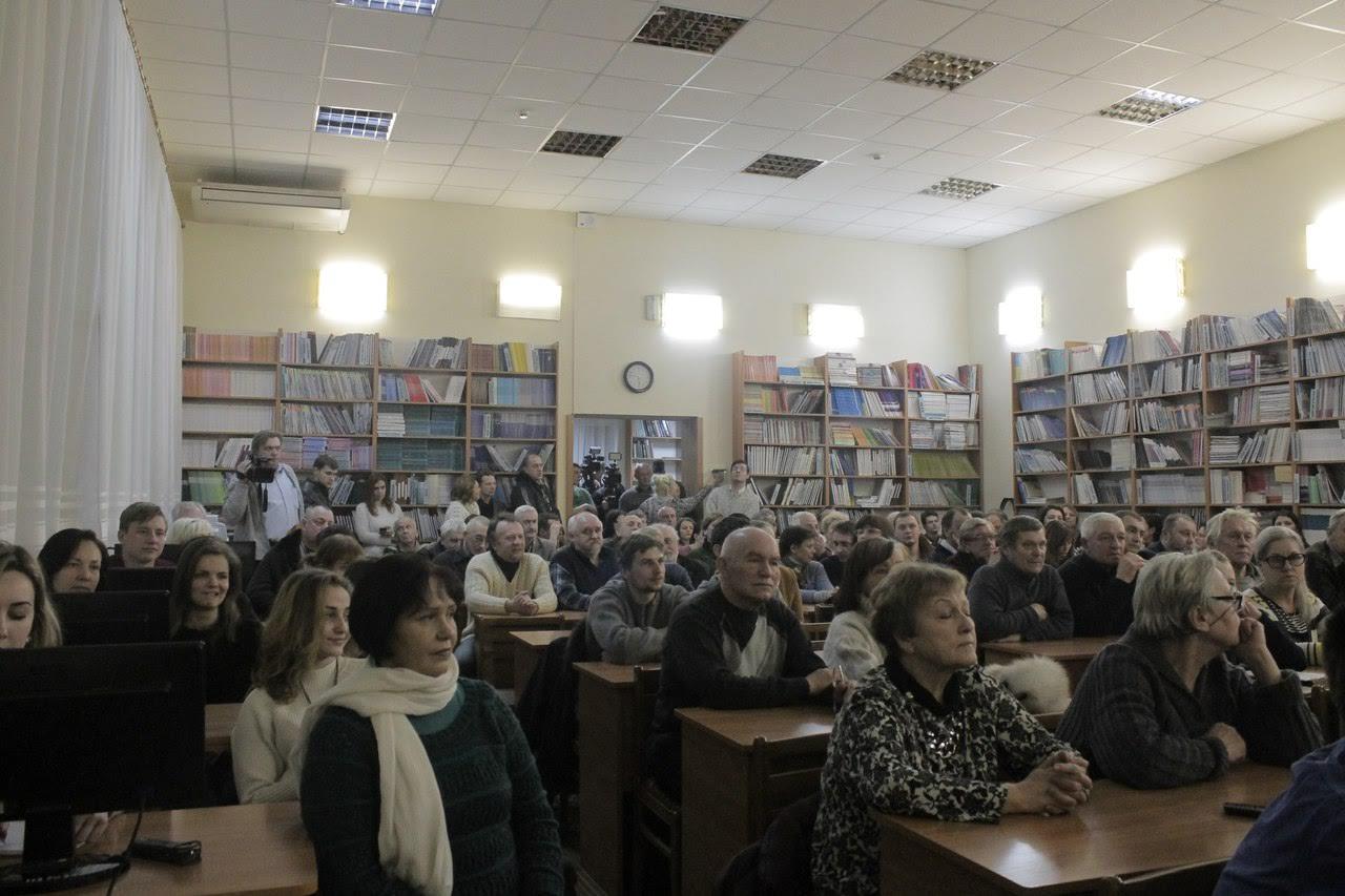 Вечір пам'яті Володимира Висоцького в Ужгороді зібрав понад півтори сотні слухачів