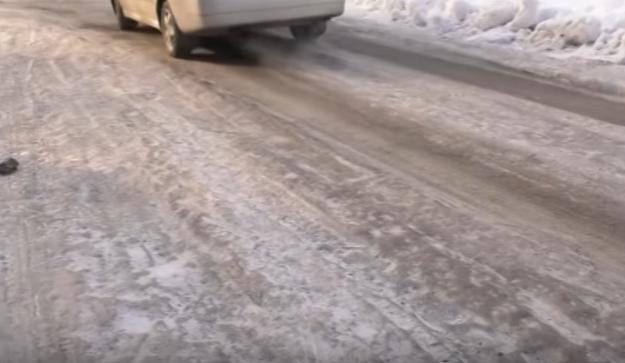 Водії ледве стримують епітетів, характеризуючи стан ужгородських доріг
