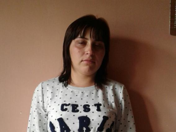 Поліція Виноградівщини розшукує 22-річну жінку, яка пішла з дому і залишила чотирьох дітей