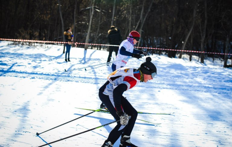 Мукачівських школярів безкоштовно навчатимуть катанню на лижах