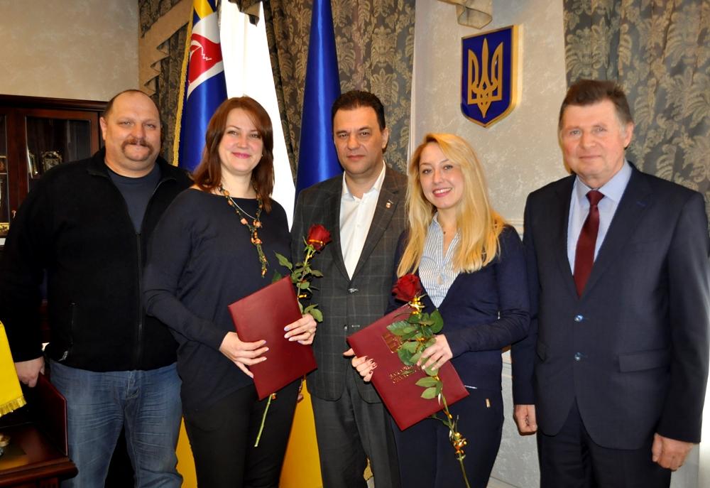 На Закарпатті нагородили трьох активних волонтерів