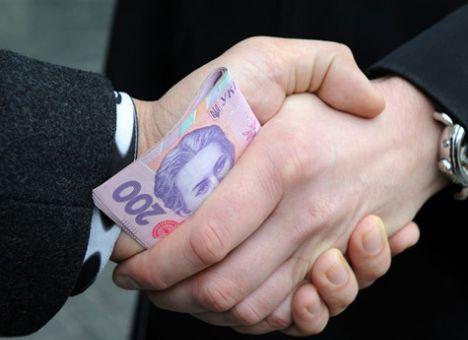 Затримано посадовця Мукачівської РДА при одержанні хабара на суму 4 тисяч гривень