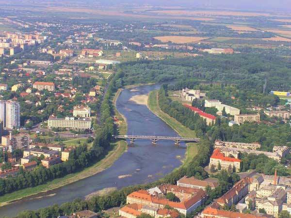 Прокуратура через суд повертає земельні ділянки, незаконно надані Ужгородською міською радою