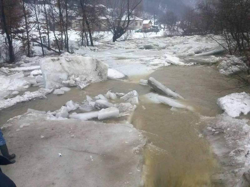 На Іршавщині внаслідок підтоплення впали два житлові будинки
