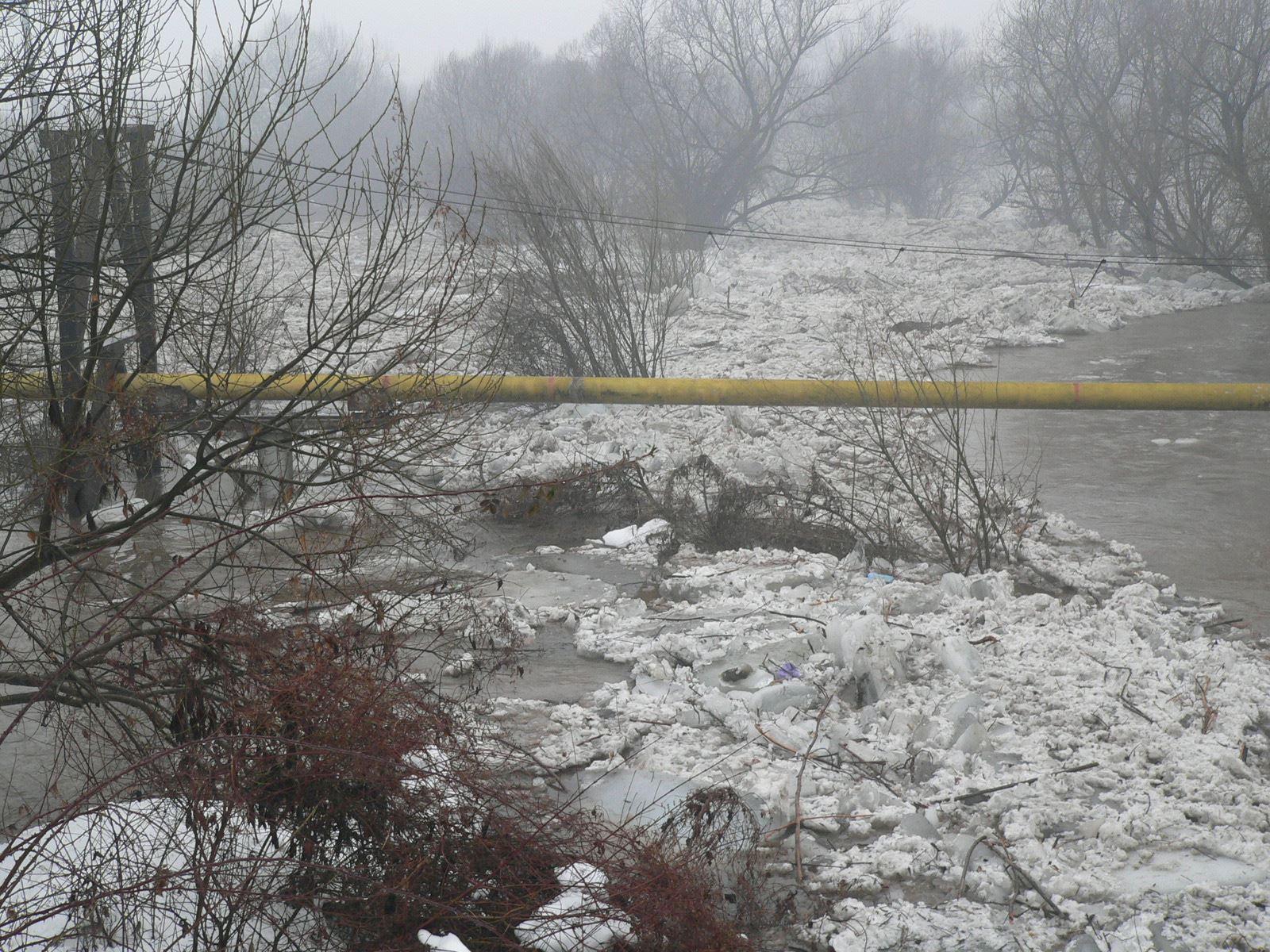 Планується підрив льодового затору на річці Визниця, щоб врятувати Шелестово від підтоплення