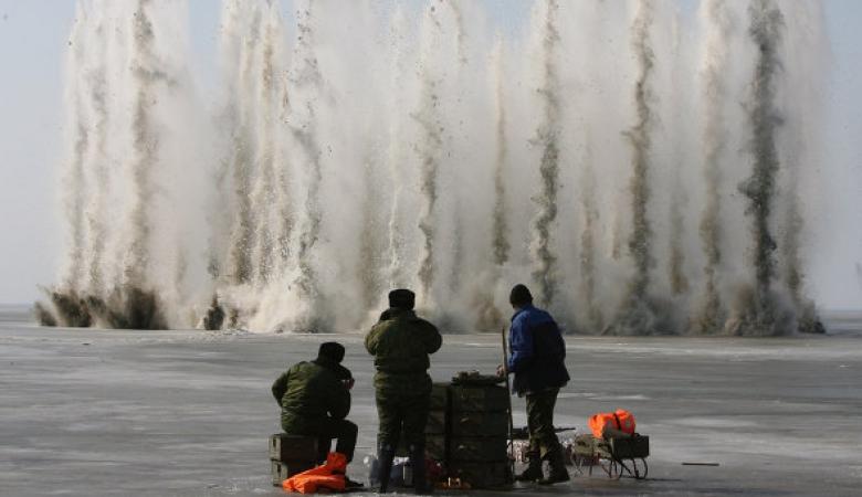 Критичну ситуацію на Закарпатті із льодоходом вирішуватимуть підривами: задіють 128-у бригаду