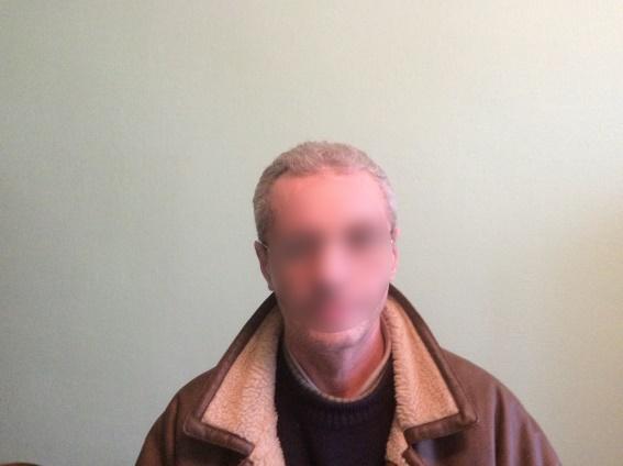У Мукачеві 47-річний чоловік побив рідну матір: поліція затримала кривдника