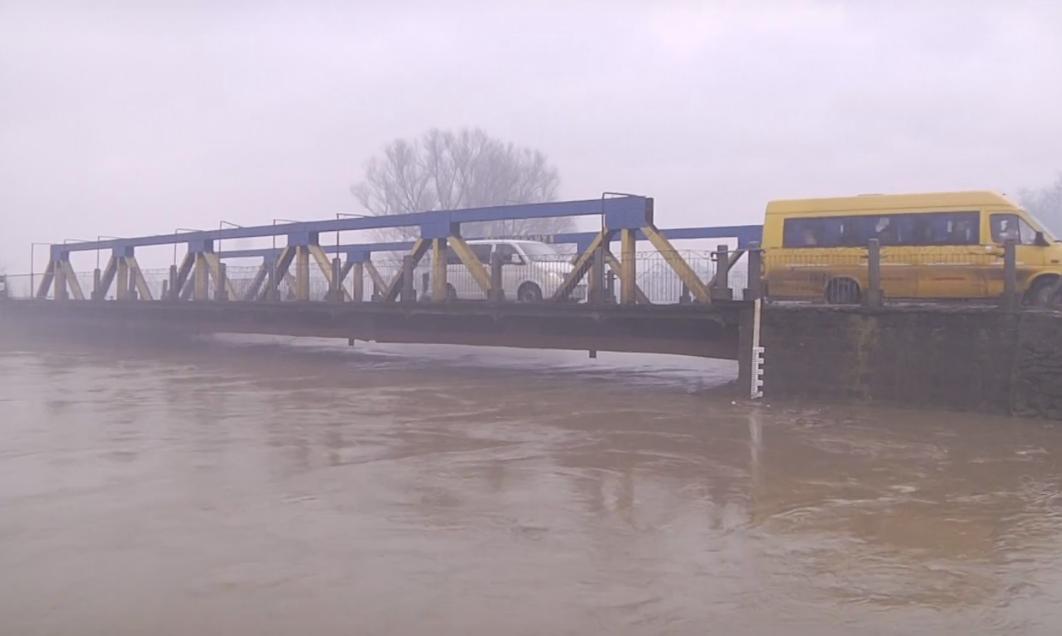 На Виноградівщині зафіксували найбільше підняття води в річці Боржава після паводку 2001 року