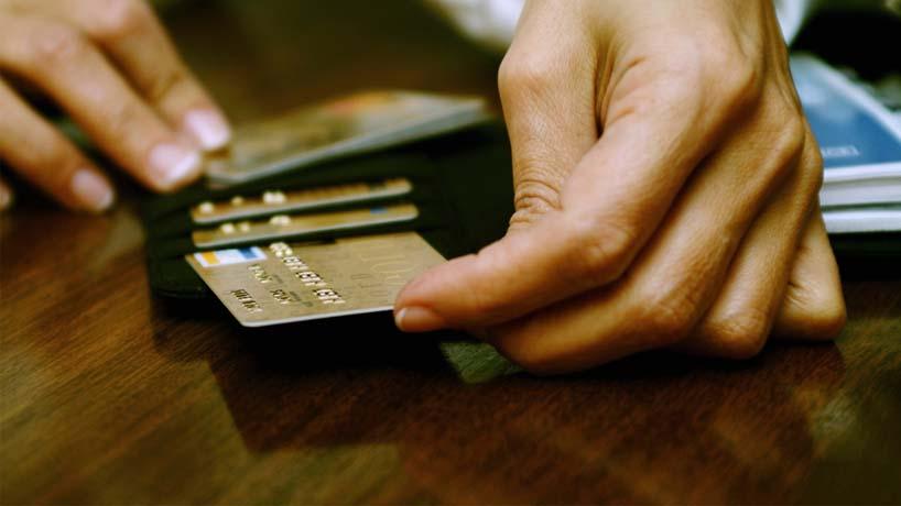 Киянин вкрав з банківської картки військовослужбовця із Закарпаття майже 6 тисяч гривень