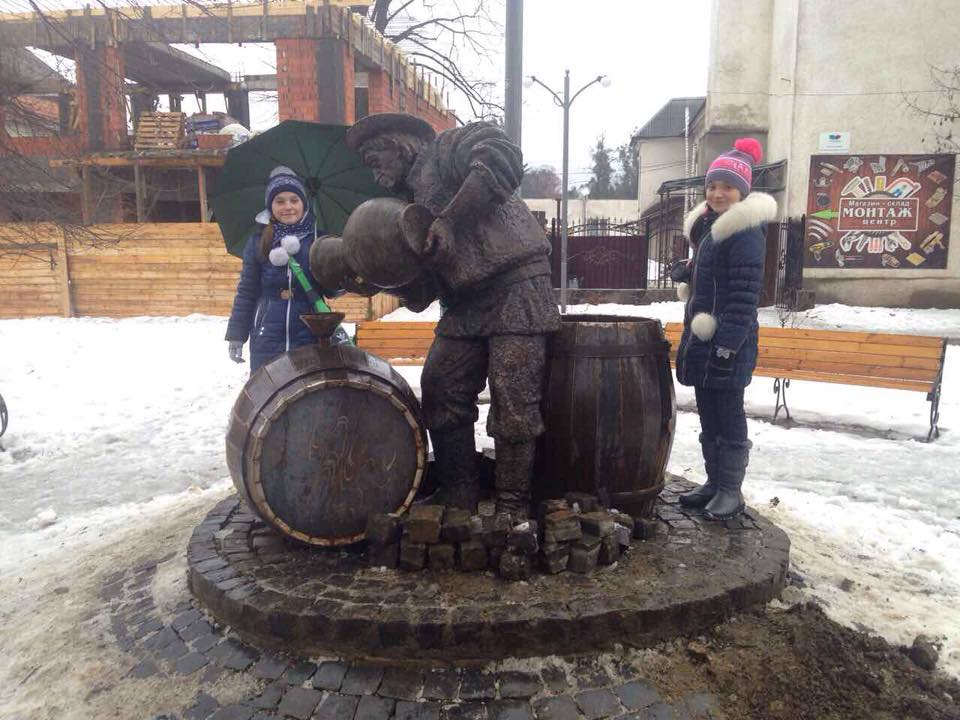 У Сваляві встановили бронзовий пам'ятник символу міста