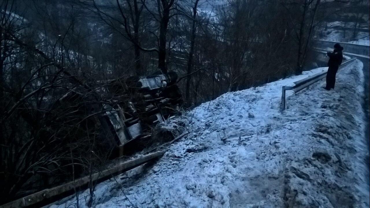 Внаслідок ДТП, у яку на Рахівщині потрапив рейсовий автобус з пасажирами, двоє дітей отримали травми