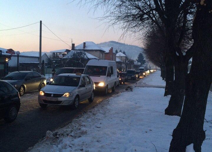 """Стало відомим, хто вирішив паралізувати рух транспорту в Мукачеві у перший день """"Червеного вина"""""""
