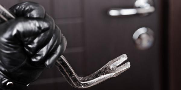На Воловеччині затримали чоловіка, який підозрюється у скоєнні двох крадіжок