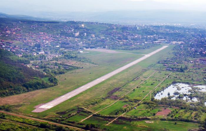 """В аеропорту """"Ужгород"""" може з'явитись унікальний термінал з виходами на дві країни"""