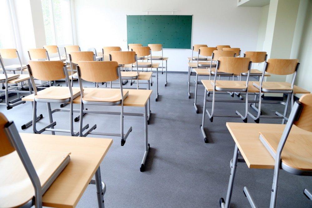 В одній із шкіл Ужгорода виявили менінгококову інфекцію. Тепер батьки бояться відпускати дітей на навчання