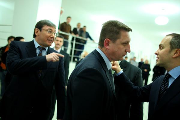 Генпрокурор Юрій Луценко хоче зняти недоторканність із нардепа-закарпатця Нестора Шуфрича