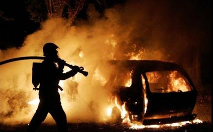 Рятувальники Закарпаття гасили загорання двох автомобілів