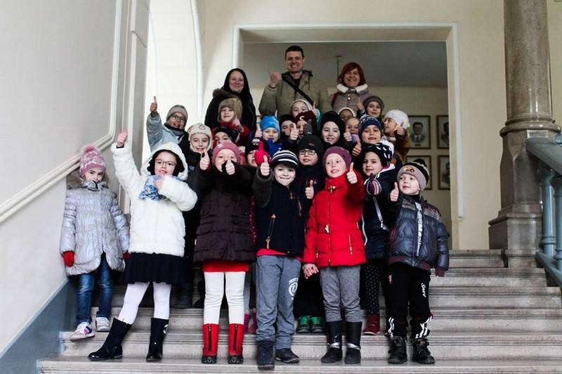 Мукачівські другокласники відчули себе чиновниками у стінах Ратуші