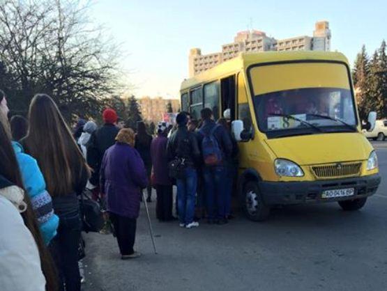 5 кроків, як не витрачати час на очікування міського автобуса в Ужгороді