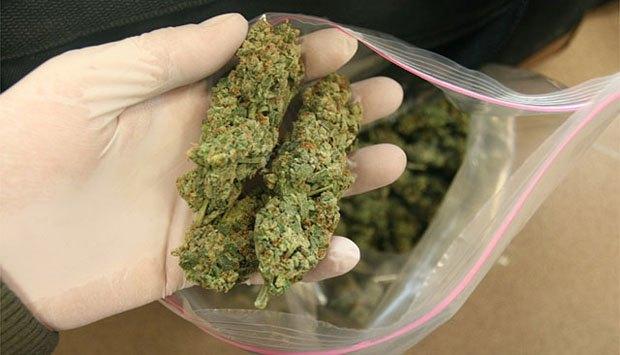 На Рахівщині у 23-річного чоловіка знайшли 7 грамів наркотиків