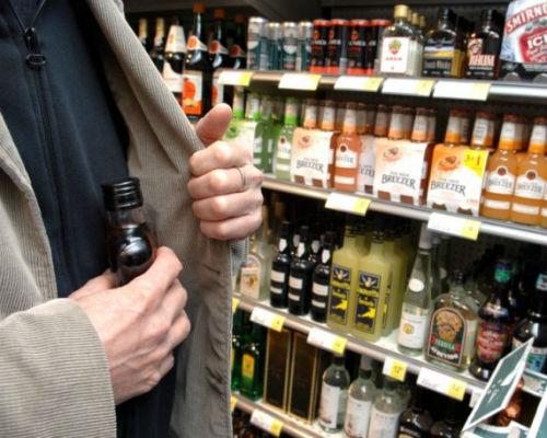 В ужгородських супермаркетах крадуть алкоголь