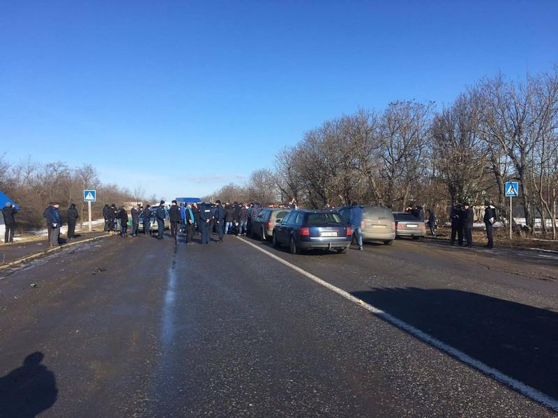 """Поліція порушила кримінальне провадження за фактом блокування під'їзду до КПП """"Ужгород"""" на українсько-словацькому кордоні"""
