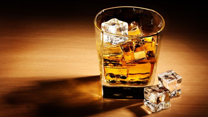 Наркотики та п'яні водії – найпоширеніші проблеми області, – зазначають закарпатські патрульні