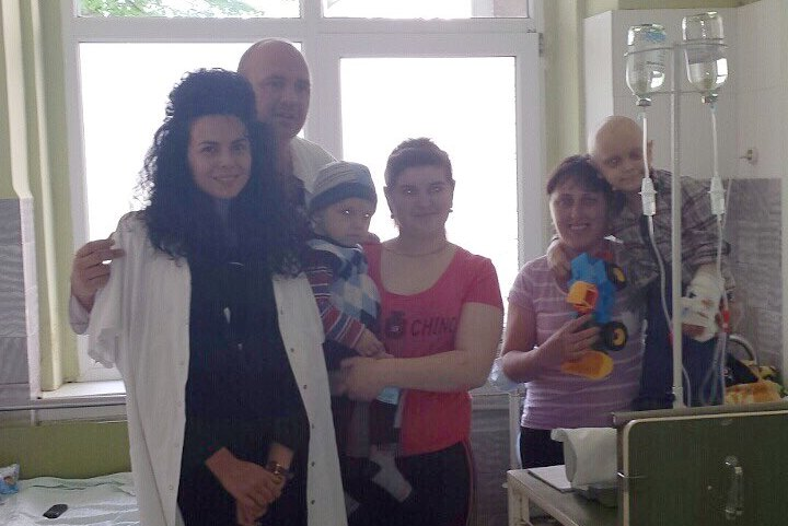 Шанс на життя для онкохворих діток у Мукачеві та як їм допомагають Тіна Кароль, Потап і Настя Каменських