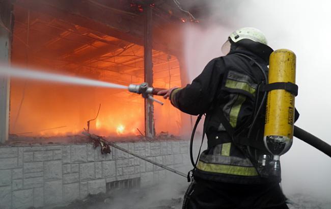 Опіки 70% тіла власника будинку та збитки на десятки тисяч гривень: наслідки великої пожежі у Вишкові