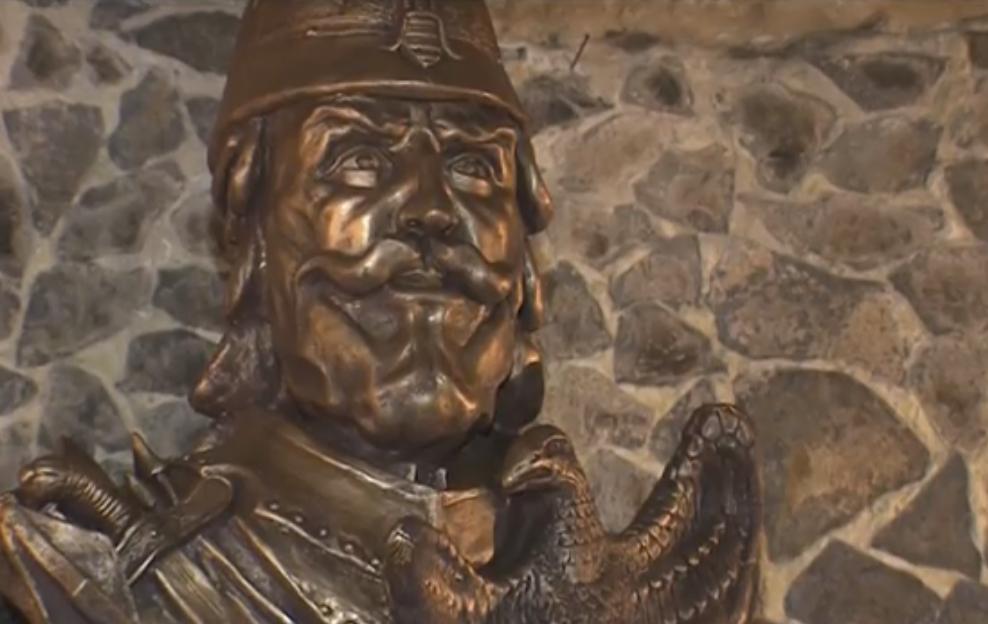 У Середньому відкрили пам'ятник угорському полководцеві Іштвану Добо