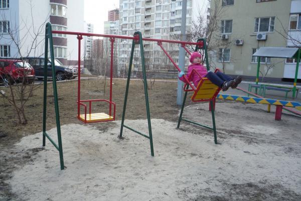 Прокуратура встановила, що дитячі майданчики Ужгорода не відповідають вимогам безпеки