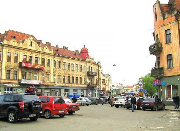 Ужгородці розповіли, як оцінюють роботу міської влади