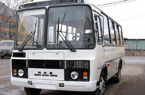 У Мукачеві з невідомих причин автобус ледь не з'їхав у кювет