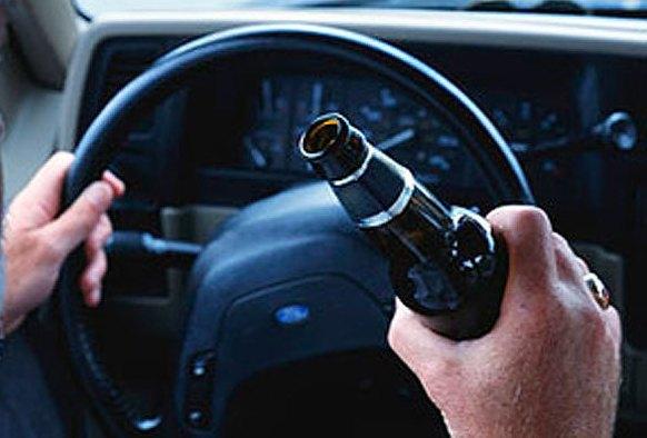 За вихідні поліцейські спіймали 10 нетверезих водіїв. Деякі ще й скоїли ДТП