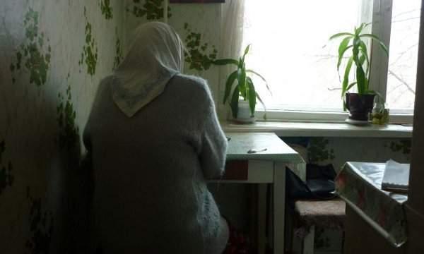 У Мукачеві невідомий проник у будинок пенсіонерки, побив її та забрав більше тисячі євро і кілька тисяч гривень