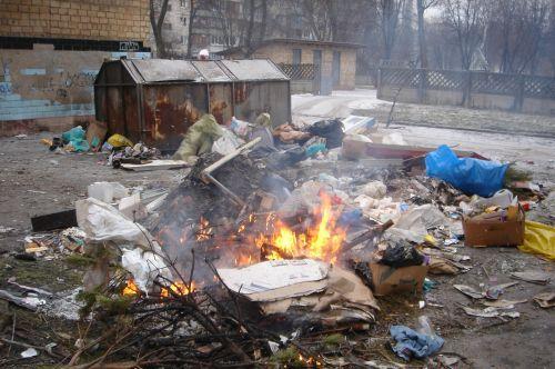 За спалювання сміття оштрафували 12 мукачівців
