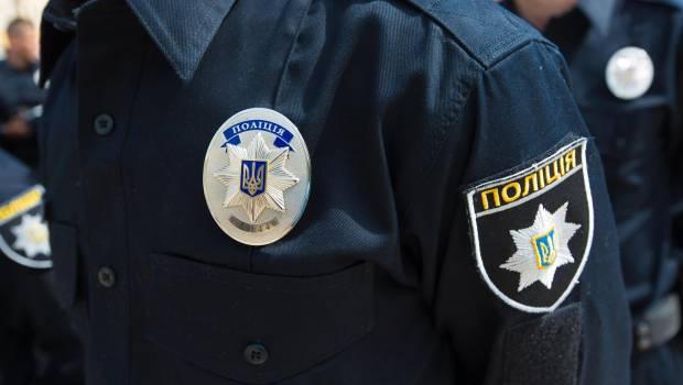 В Ужгороді поліцейські зупинили автомобіль, у якому знайшли зброю