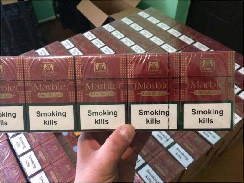 Майже дві тисячі пачок сигарет виявили прикордонники у горах