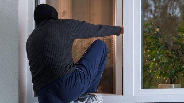 На Виноградівщині пограбували будинок 60-річного чоловіка