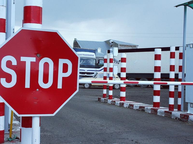 На українсько-угорському кордоні ускладнений рух транспорту