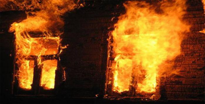 Односельці намагались знайти жінку у палаючій будівлі: подробиці трагедії на Хустщині