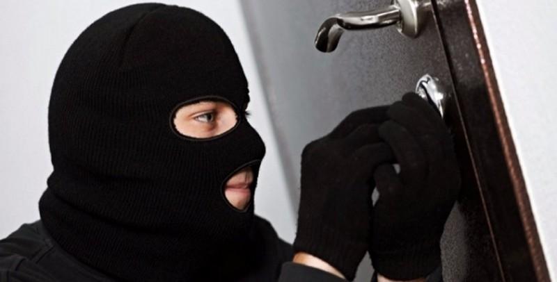 Чоловік намагався незаконно проникнути до будинку сусіда