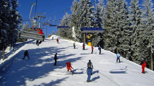 Зимовий туристичний сезон на Закарпатті ще не закритий: на деяких курортах сніг лежатиме до червня