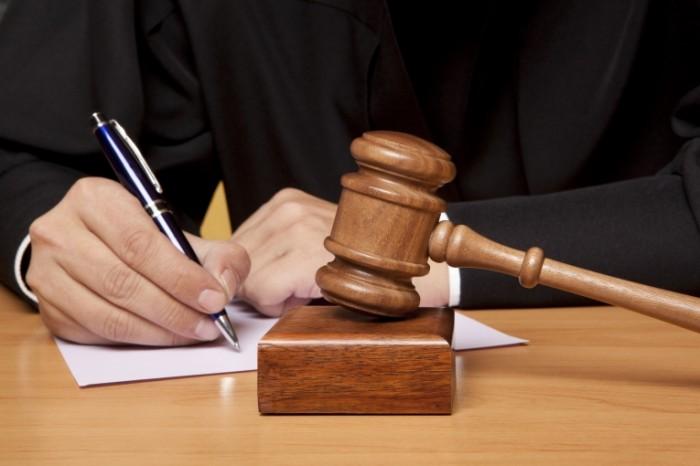 Під час суду обвинувачений побив старшого розпорядника