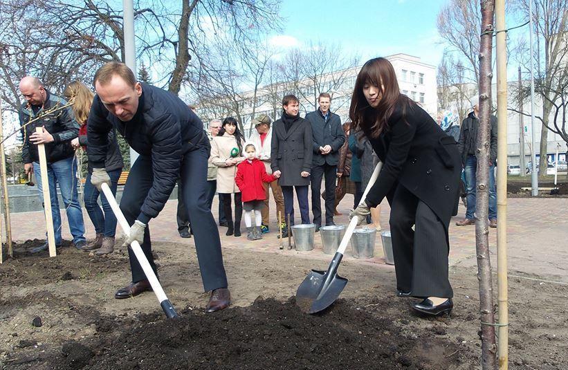 Ужгород та Мукачево потрапили до списку міст України, де японці цьогоріч планують посадити сакури