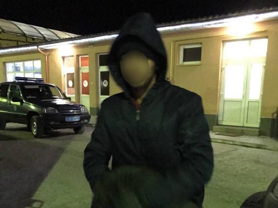 Хлопець пішов на дивний вчинок, аби нелегально перетнути кордон