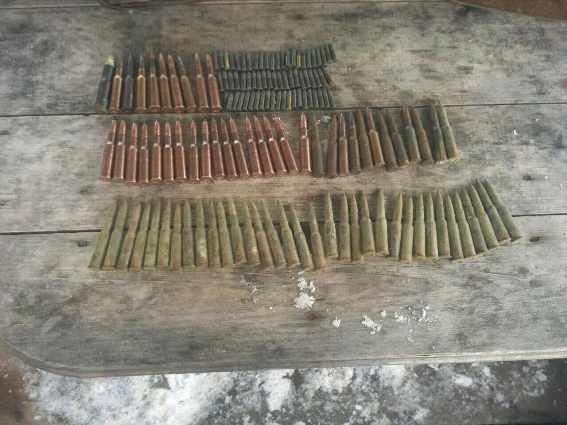 Поліція вилучила у закарпатця зброю та понад 100 набоїв