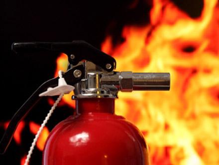 У Мукачеві вночі невідомі підпалили відомий у місті лаунж-бар