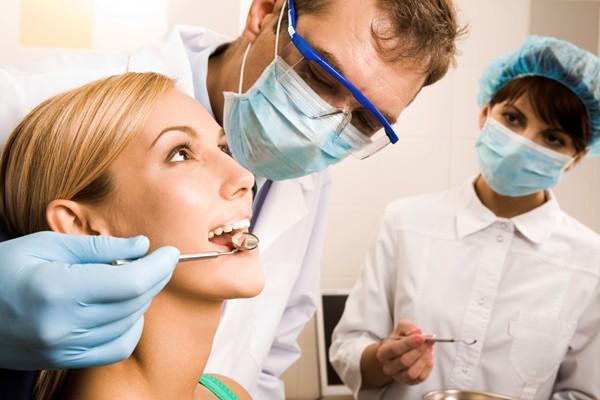 Стоматологи Мукачівської ЦРЛ можуть залишитися без роботи