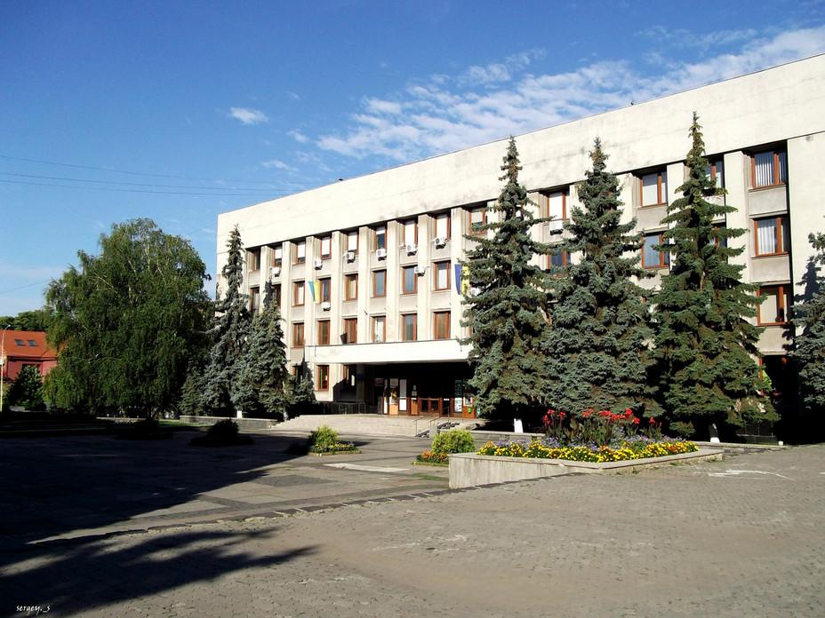 Церковники та військові влаштували сутичку в Ужгородській міській раді